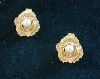 "Vintage Gold Abstract Flower Earrings - """"Gold Posey with Pearl"" - SALE"