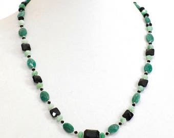 Faceted green onlyx necklace and earring set (380)