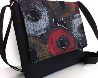Small messenger bag Black canvas messenger purse Women travel purse Vegan side bag Black shoulder purse Shop handmade Canada Gift for women