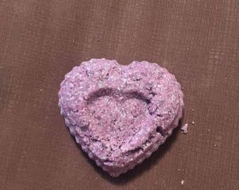 Lavender sparkle bath bomb