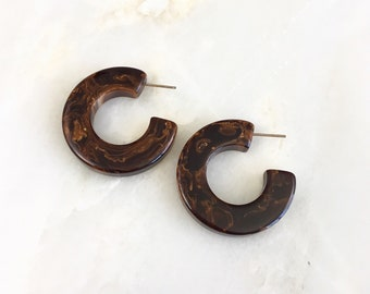 Vintage Bakelite Marble Swirl Hoop Earrings