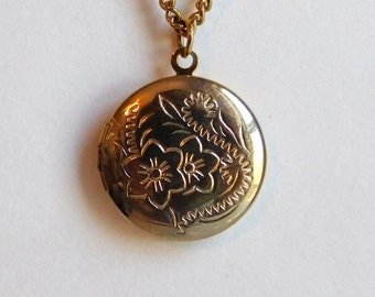 Vintage Victorian-Style Locket Multi-Chain Necklace - Goldtone Round Locket w/ Floral Stamping - Victorian Revival