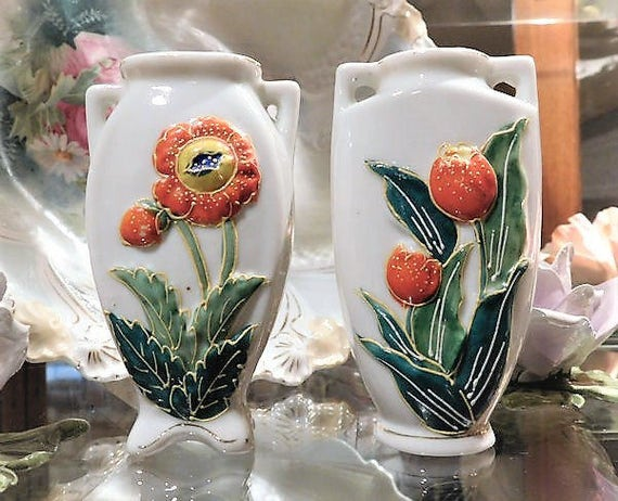 Pair Occupied Japan Vases