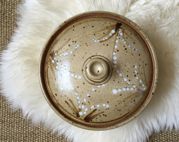 1980's stoneware beige speckled glaze bowl with lid
