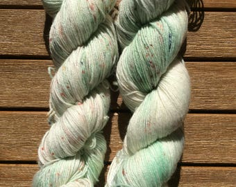 "Hand-dyed yarn sock yarn ""Woodruff"""