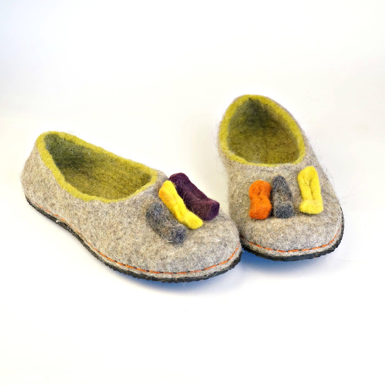 Chaussures chaussons de laine naturelle avec des semelles, femmes gris en verts chaussons, pantoufles en gris laine bio, chaussons maison confortable très dc8230