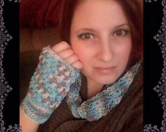 Infinity scarf anf fingerless glove set