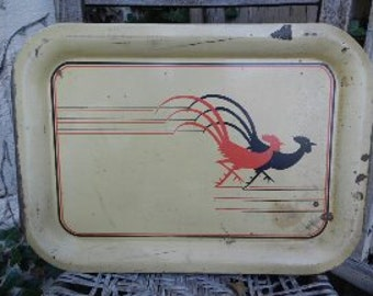 Charming Vintage Rusty and Chippy Rooster Metal Tray!