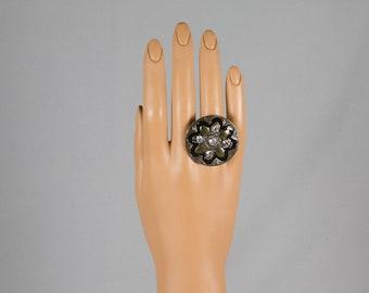 Dinner Ring Silvertone Gold accents Dramatic black enamel 4 diamond cut crystals Round shape Costume jewelry Pristine