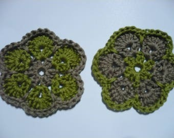 set of 2 crochet flowers, green and taupe