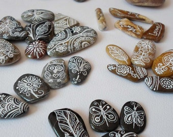Paisley Zentangle Pebble Art, Hand Painted Sea stones, Beach Stones Owls Feathers Drawing Stones, Christmas gift Rustic Home decor, Rock art