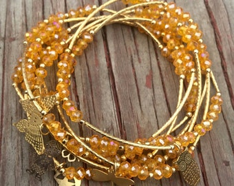 Yellow Orange Beaded Charm Bracelet Set with gold plated charms - Semanario pulseras color naranja amarilla con dijes chapa de oro
