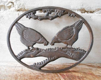 Vintage trivet, French pecking hens trivet, rustic tableware, French kitchen farmhouse decor.
