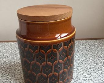 1977 Hornsea Heirloom ceramic storage jar with wooden lid