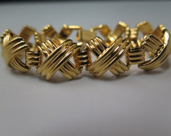 Napier Gold Tone Link Bracelet