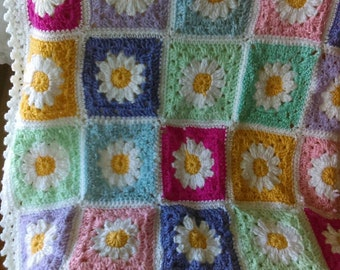 Newborn baby blanket with Daisy squares. Comes with headband and booties