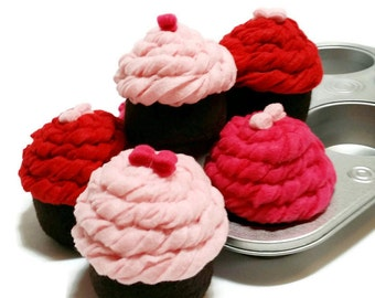 Felt Cupcake Set of 6 - pan included, gift packaged!! eco-friendly felt play foods - washable and durable!