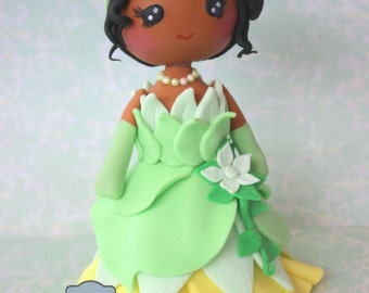 Princess  and the Frog fondant cake topper