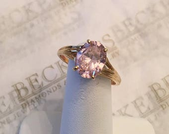Vintage 10k yellow gold cathedral style ring with a center Oval Pink CZ, size 9