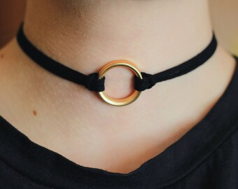 Choker Black with gold ring
