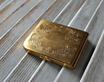 Vintage. Elgin American. Gold. Compact.