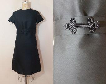 Medium / 1960s Dress / Black Trinity Knot Dress / Vintage 60s Little Black Dress
