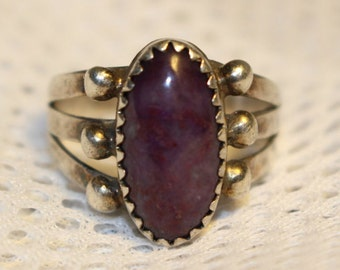 10386  Sterling Silver Purple Cabochon Ring Size 6 FREE SHIPPING