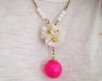 Bloomin' Happy Heirloom pendant necklace