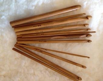 12 Piece Bamboo Crochet Hook Set