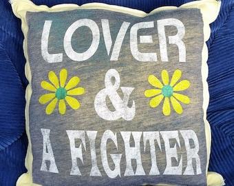 Liebhaber & ein Kämpfer-Upcycling-Safe-Sex-Kissen, w / Kondom und Schmieröl Taschen, OOAK, grau, gelb, Gänseblümchen, Blume