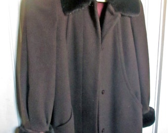 ON SALE Beautiful Vintage Wool Coat