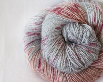 Snuggle - Gosling - 80/10/10 superwash merino/ cashmere/ nylon sock yarn