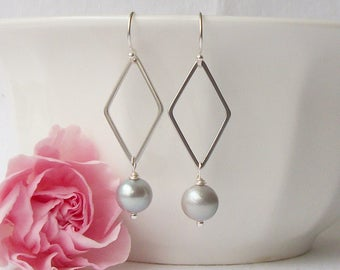 Gray and Silver Pearl Drop Earrings, Freshwater Pearl Earrings, pearl jewelry, Mother's Day Jewelry Gift