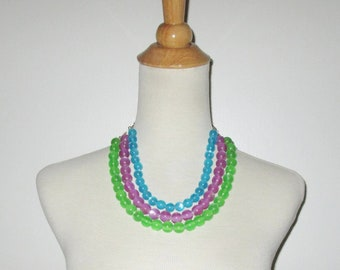 Vintage 1950s 1960s Moonglow Lucite Necklace / 50s 60s  Colorful 3-Strand Three-Strand Lucite Moonglow Necklace In Turquoise, Purple & Green