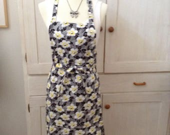 Black and yellow floral apron, ladies apron, full apron, floral apron, pretty apron, bridal gift