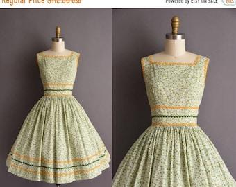 25% OFF SHOP SALE..//.. vintage 1950s floral green cotton sun dress Small ric-rac vintage 50s full skirt dress
