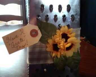 Sunflower Grater with removeable tag