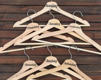 Days of the Week Hangers - Custom Wood Hangers - Outfit Hangers - Wooden Clothes Hangers - Personalized Hangers - Organization - OOTD
