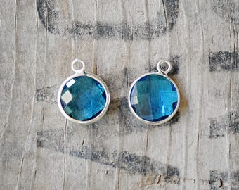 Faceted MARINE BLUE bezel set Charms pendants - 16x13x4.5mm (2106)