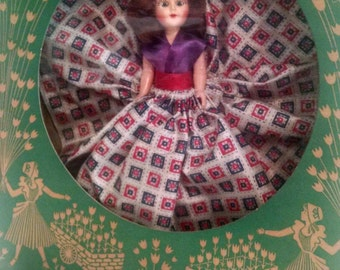 "VINTAGE SWEETIE DOLL ""Alice"" (checkered dress)"