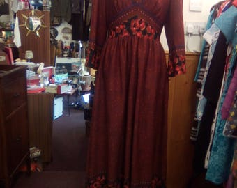 Vintage 1970s Maxi dress, Empire line, Full length day dress, Hostess, Evening dress, Boho print, Hippy, Festival. UK size M/L