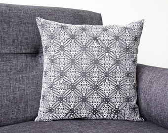 Model GRINKA - Cushion cover GREY {3 sizes} (pillow, geometric/graphic design, incas/peru inspiration)