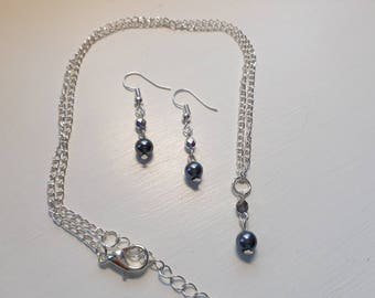 Pearl necklace and earring set - Grey