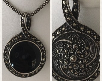 Reversible 925 silver, onyx and marcasite necklace. 28 inch chain