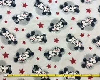 """NEW Mickey loves Minnie on cotton lycra knit fabric 96/4 58"""" wide."""