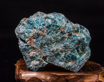 Large Natural Raw Blue Apatite Crystal/Rough Apatite Crystal Stone/Blue Apatite/Natural Apatite/Raw Apatite Stone/Healing Crystal/#2895