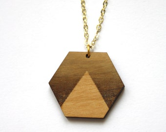 Wood hexagon necklace, sunset pattern, brown gradient triangle, geometric chic collar pendant with gold color chain, French piece of jewelry