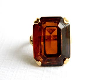 Vintage Gold Amber Topaz Solitaire Ring - Emerald Cut Glass - 10 Carats - Signed AVON