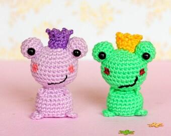 Mini amigurumi frog stuffed animal, Crochet frog prince, Stuffed frog figurine, Miniature crochet frog gifts, Crochet miniature animals