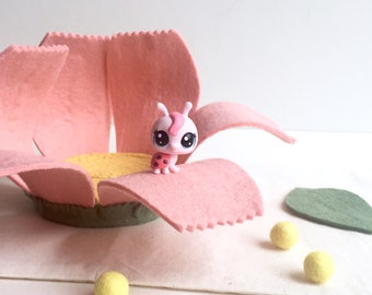 Felt Playhouse - Pink Cosmos Flower House - Miniatures Toy - Flower Playset - Kids Gift